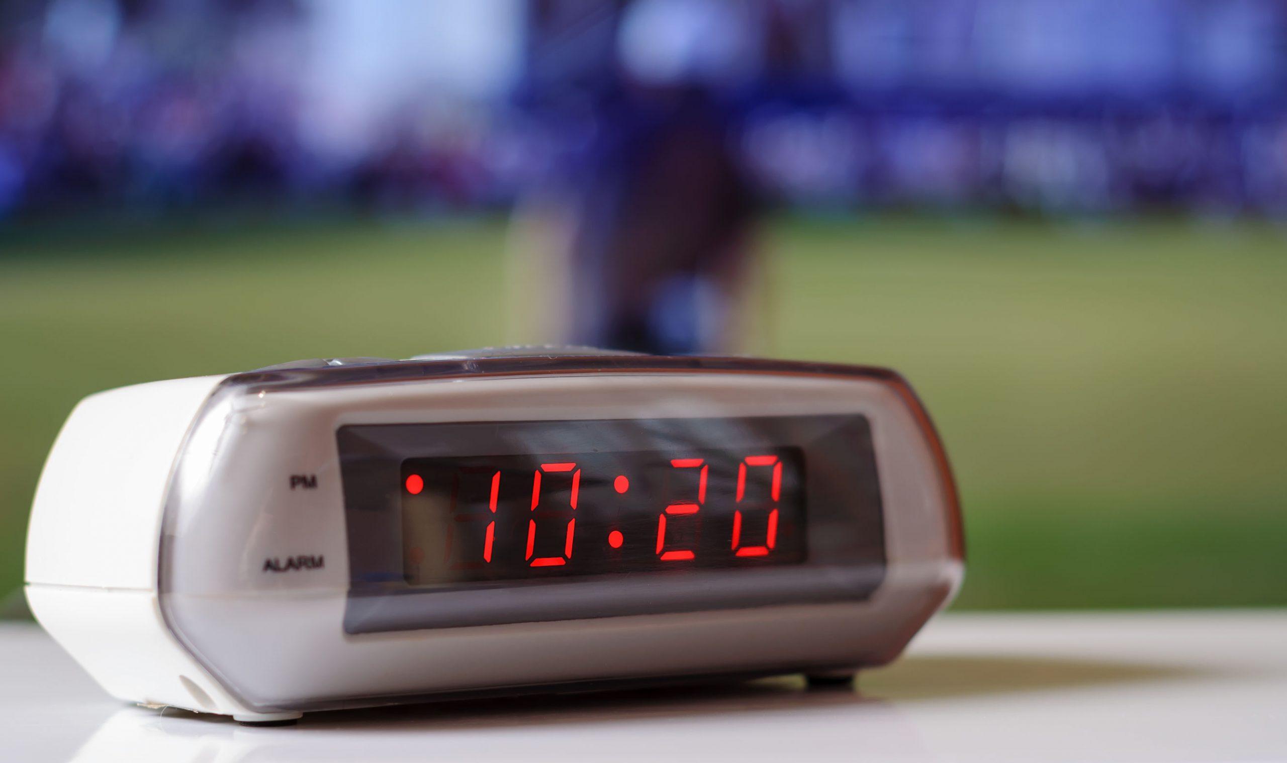 2.voice control, quando l'orologio è alimentato da batterie, il display delle cifre durerà per 6. Miglior Sveglia Digitale 2021 Guida All Acquisto
