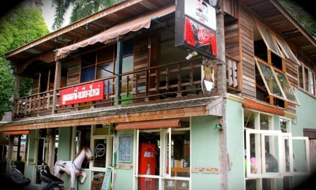 Good Morning Chiang Mai Cafe กับ Hot Latte และเมนูอาหารเช้าเต็มรูปแบบ