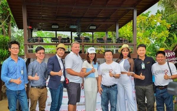 """ฉีกทุกกฎความสนุกของการถ่ายภาพกับ """"วานาดิโอ"""" สตูดิโอใต้น้ำโดยช่างภาพมืออาชีพแห่งแรกในประเทศไทย เครื่องเล่นชิ้นที่ 20 ของที่สุดสวนน้ำระดับโลก วานา นาวา หัวหิน"""