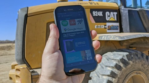 The CAT S42 Will Survive Judgement Day, But Its Battery Won't Survive a Weekday – Review Geek