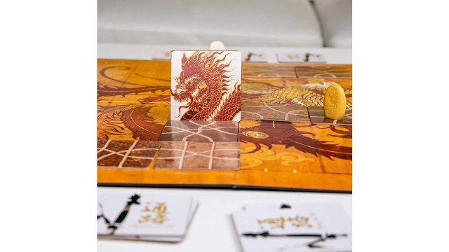 Tsuro - The Game of The Path family strategy board game