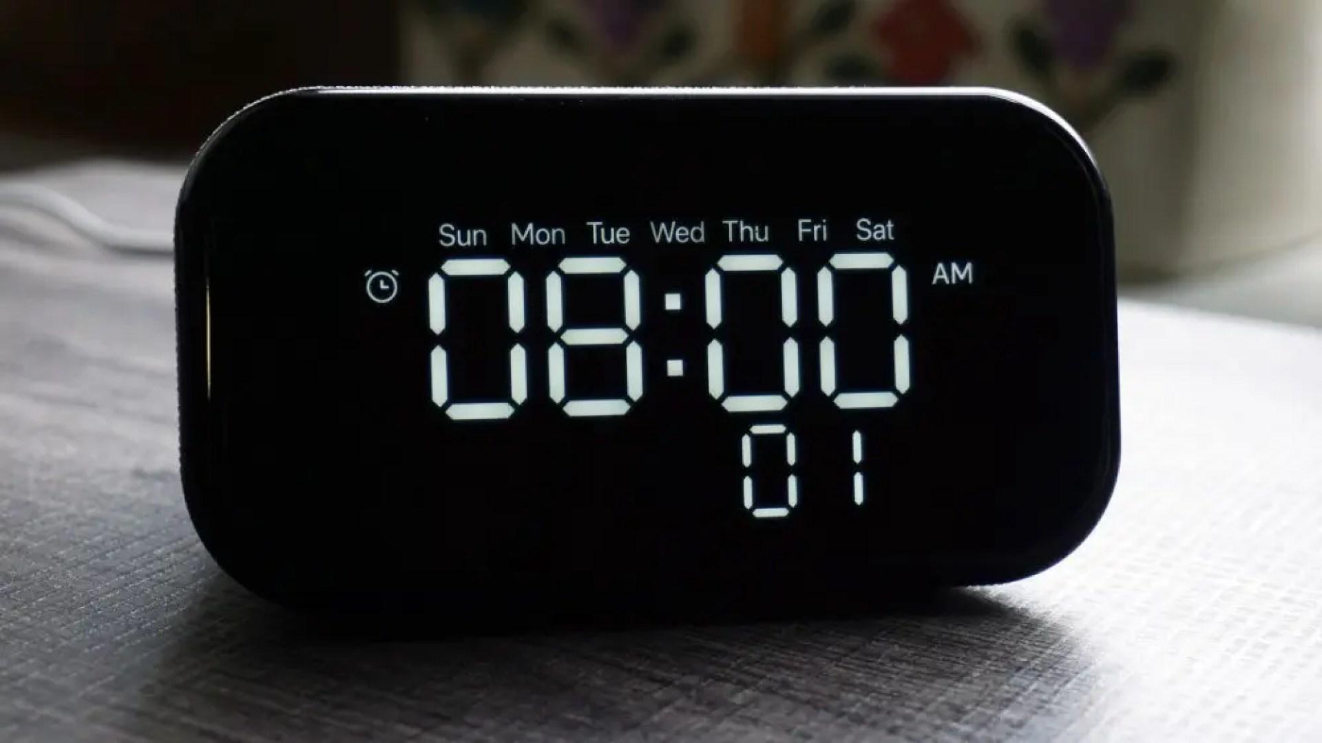 Lenovo Smart Clock Essential alarm setting