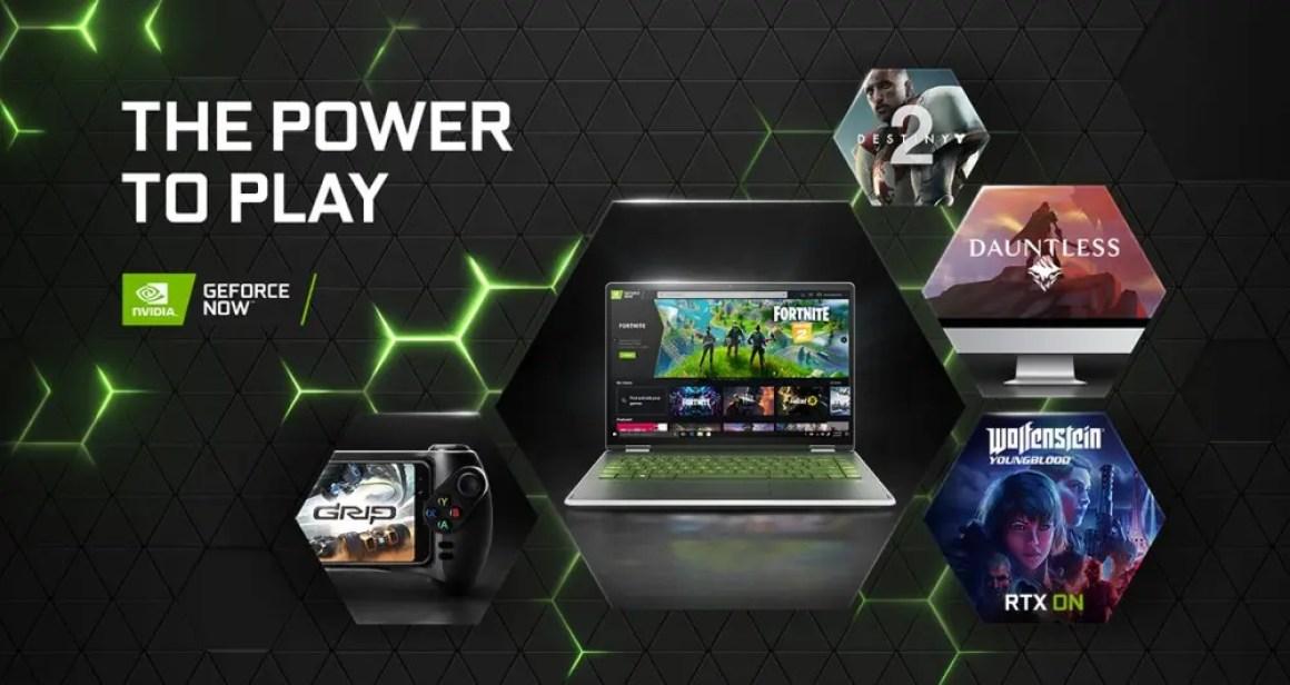 Ноутбук и телефон играют в Fortnite через GeForce Now