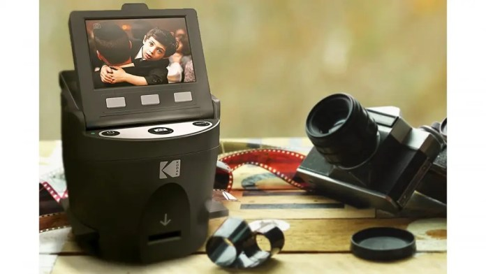 Kodak SCANZA with film accessories on a table