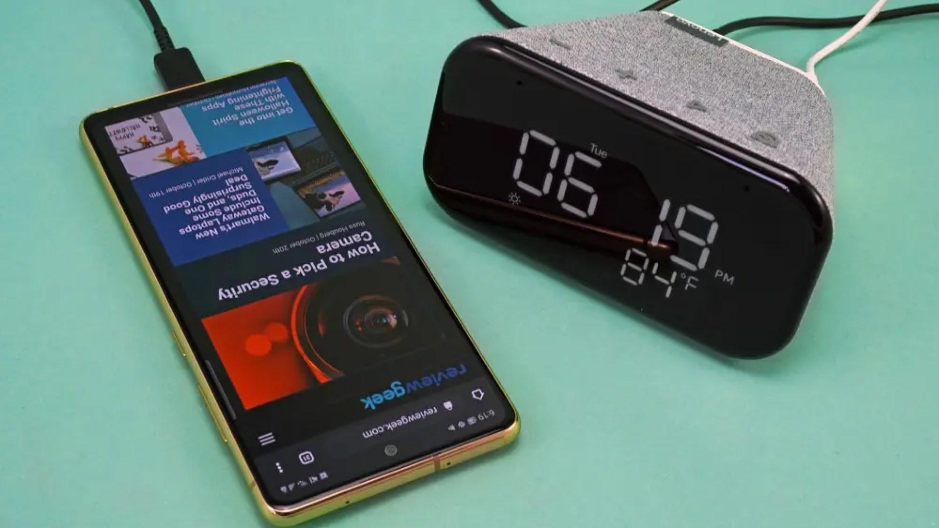 Lenovo Smart Clock Essential with phone