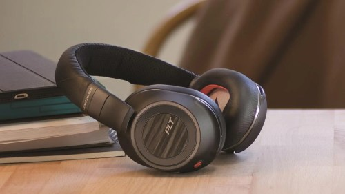 small resolution of plantronics voyager 8200 uc headphones review great sound on the go or in the office review geek