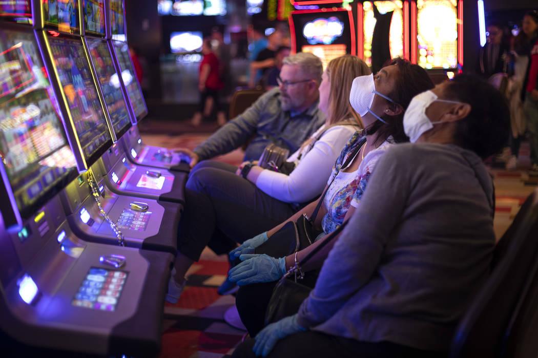 Life on the Las Vegas Strip during coronavirus scare — GALLERY ...
