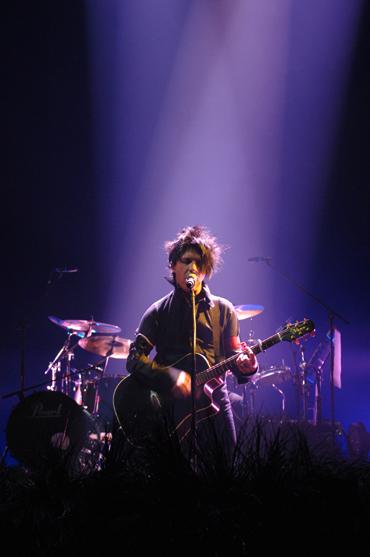 """Résultat de recherche d'images pour """"indochine live arena genève 2006"""""""