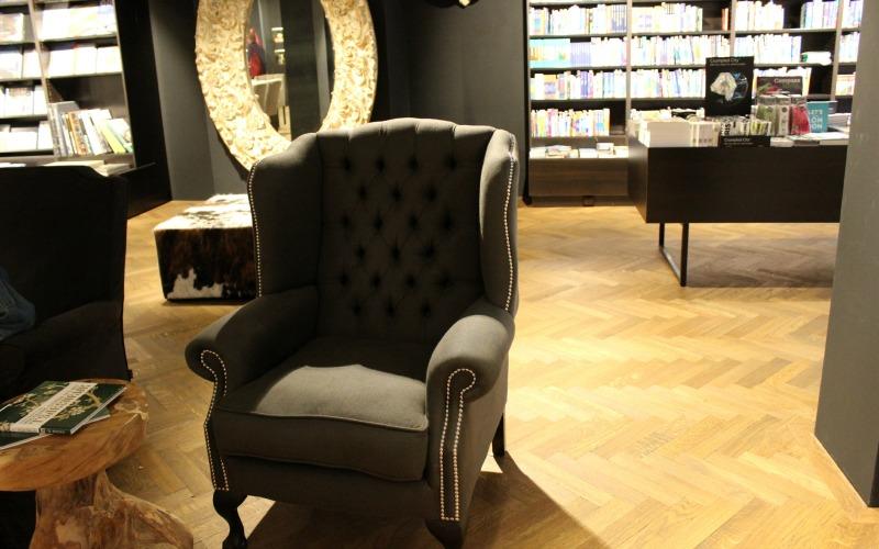 Boekhandel Van der Velde Groningen A-Kerkhof - lounge stoel