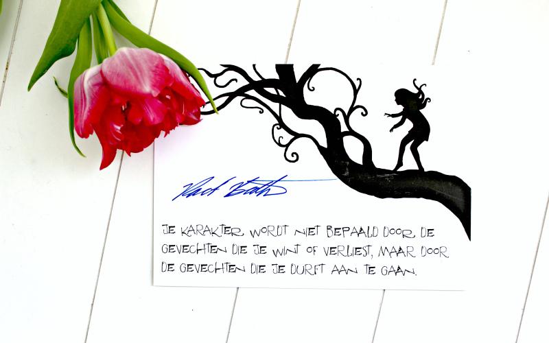 Een kaart met handtekening van Robert Beatty