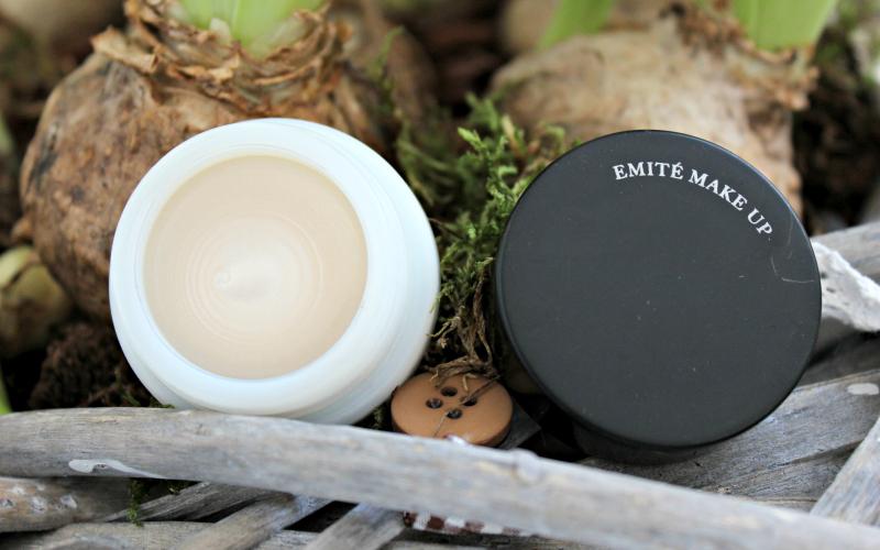 Emité - Diamond Heart Strobe Cream