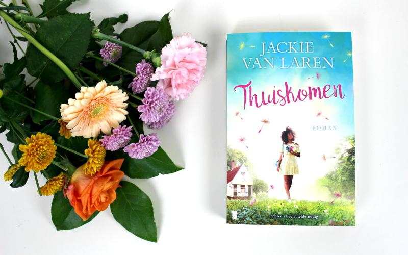 Thuiskomen - Jackie van Laren