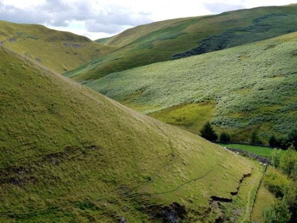 Interlocking spurs. Image credit geography.org.uk