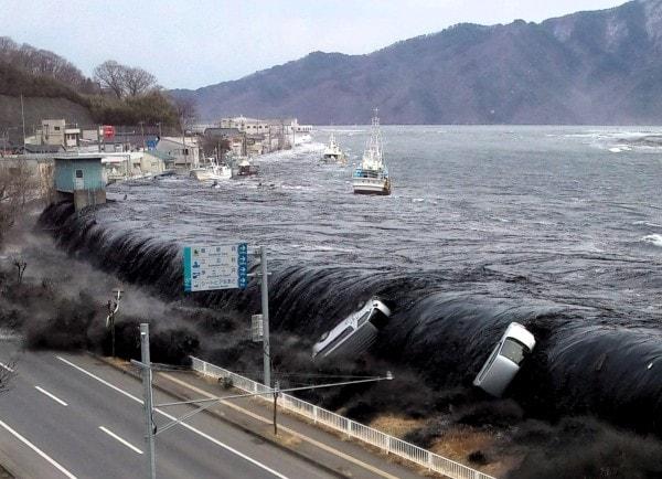 A tsunami in Miyako Japan 2011/Image credit Ibtimes.