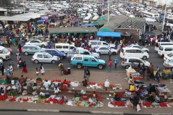 The burstling streets of Harare. Image credit herald.co.zw