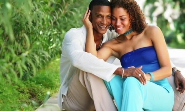 Black couple. Image credit classic105.com