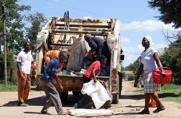 Waste disposal in Harare. Image credit thezimbabwedaily.com