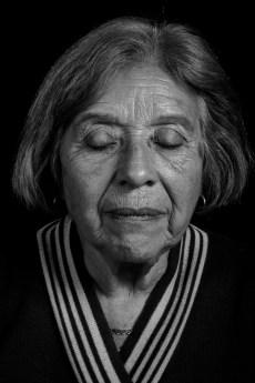 """Antonia Acuña. Sus hijos Jorge, Alicia y Laura Segarra fueron secuestrados y desaparecidos en junio de 1978. Alicia estaba embarazada de 2 meses y medio; Laura de 9, a pocos días de su parto. Al día de hoy, """"Negrita"""" sigue buscando a sus nietos."""