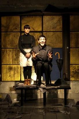 """Artistas del Centro Cultural interpretando la obra """"Un poco de agua"""", producida para el ciclo Teatro por la Identidad."""