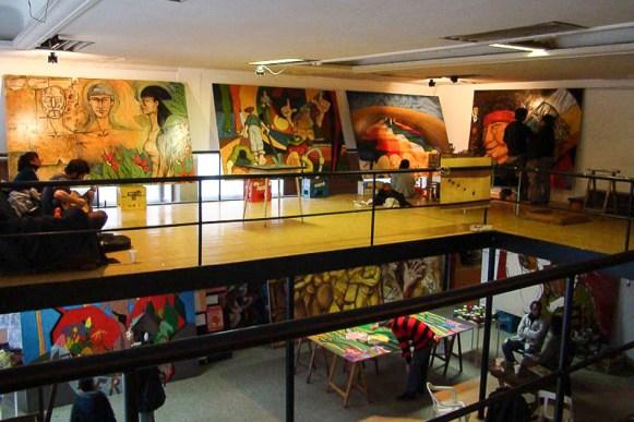 Galería de Arte colmada de murales en el 1º Encuentro Nacional de Muralismo y Arte Callejero, realizado en Abril del 2007.