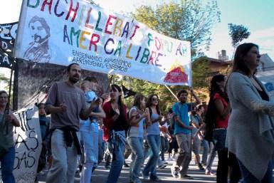 Docentes y estudiantes del Bachillerato Popular América Libre en la marcha del 24 de Marzo de 2012.