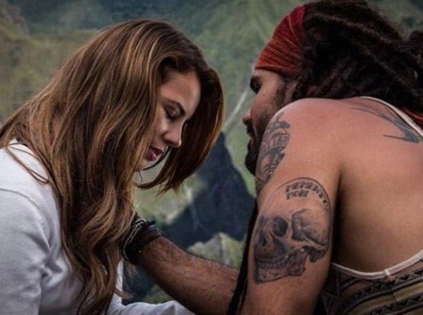 """A princesa e o plebeu, a bela e a fera: em """"Amor à Vida"""", Ninho e Paloma apaixonam-se perdidamente.  Eles formam um casal que combina perfeitamente"""
