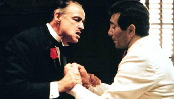 O drama de Frank Sinatra nas mãos de Don Corleone
