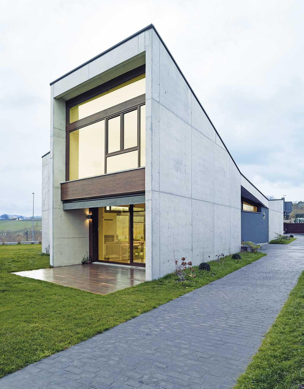 Cerramientos de cristal y aluminio en fachadas