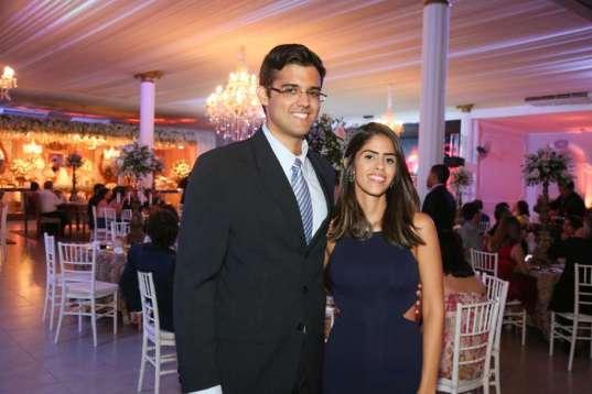 Leonardo Amaral e Sarah Viana