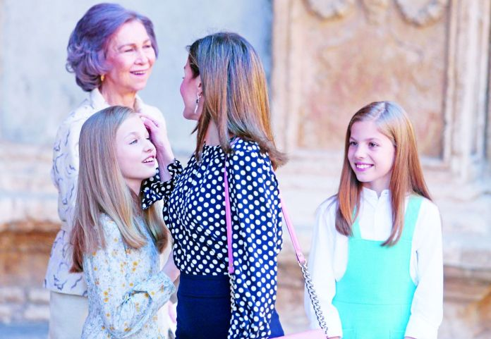 queen letizia and their daughters