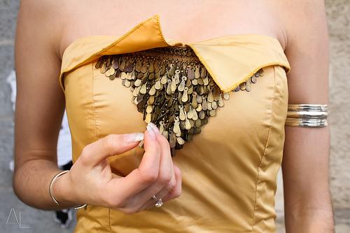 gold El auge de los vestidos de fiesta dorados para 2013