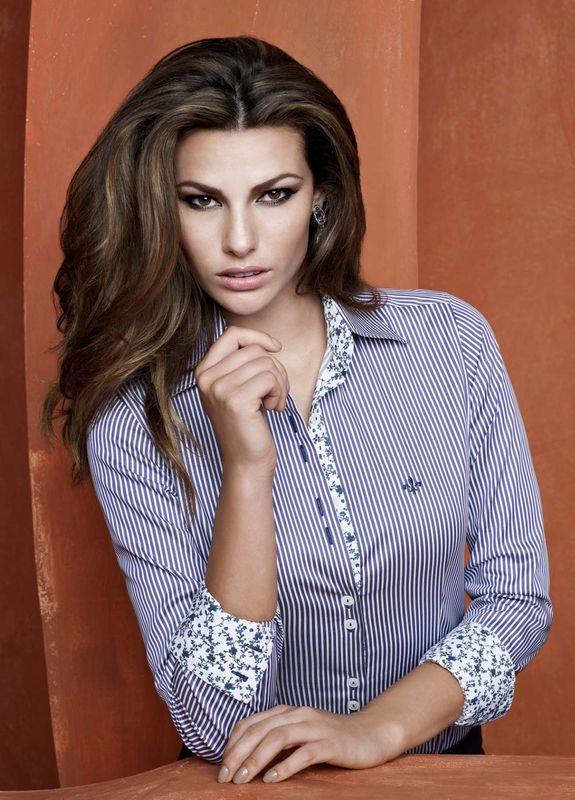 35405ae43aa48 Camisa feminina Dudalina, peça formidável essa, vejam - Revista das ...