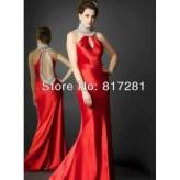 vestido com detalhe no pescoco 3
