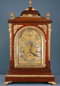 reloj-bracket-estilo-georgiano-siglos-xix-xx-subasta-extraordinario-retiro-junio-08
