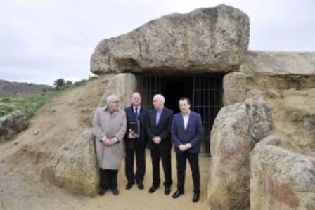 manolo_baron_dolmenes_antequera_patrimonio_humanidad-1-300x2001
