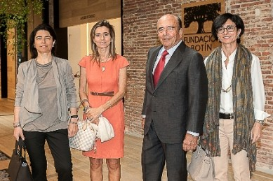 Emilio Botín junto a sus hijas Carmen Carolina y Paloma 2