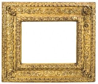 marco italiano en madera tallada y dorada del siglo XVII 6.000
