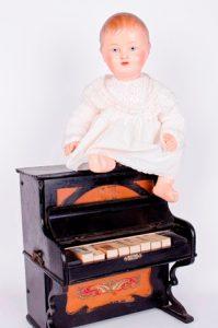41- Muñeco Baby, Sala Retiro