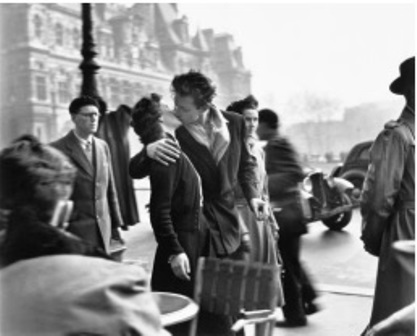 El beso de l'Hôtel de ville, 1950 © Atelier Robert Doisneau, 2016