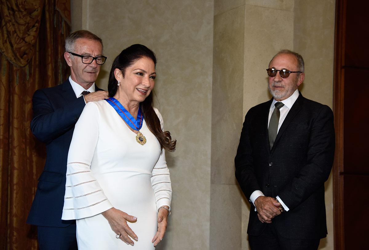 Gloria Estefan quiere jóvenes hispanos más activos en la política