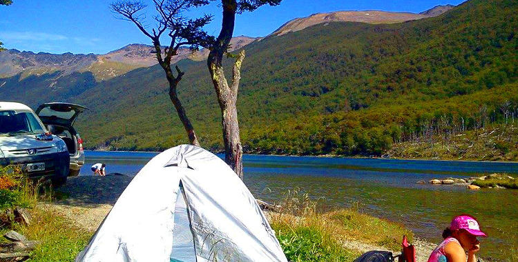 Acampando en Laguna Margarita, Tierra del Fuego