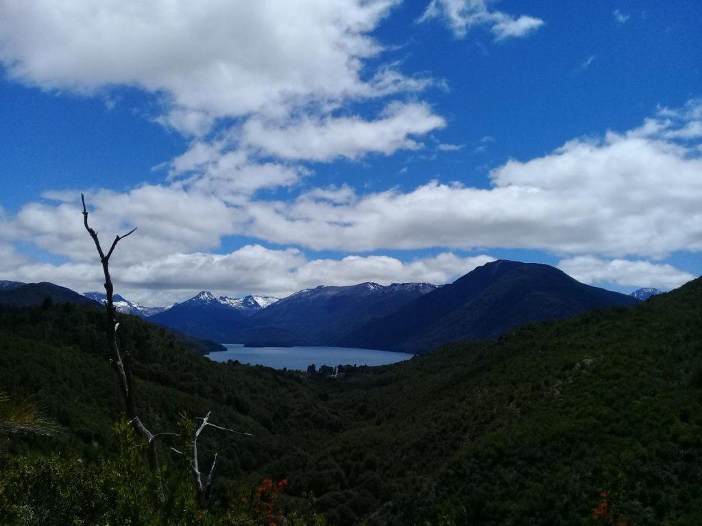 Vista Lago Mascardi desde senda hacia Lago Steffen