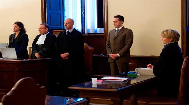El ex mayordomo del Papa, condenado a un año y medio de cárcel