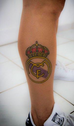 Tatuaje en su pierna
