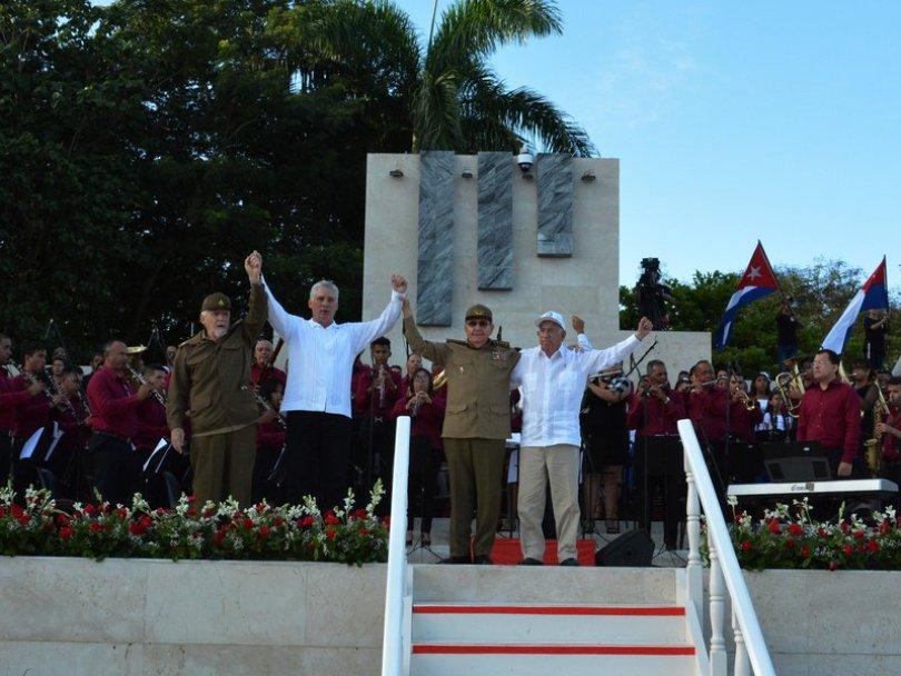 Ramiro Valdés, MIguel Díaz-Canel, Raúl Castro y José Ramón Machado Ventura al finalizar el acto por el 26 de julio en Bayamo, Granma/ Foto: Presidencia de Cuba.