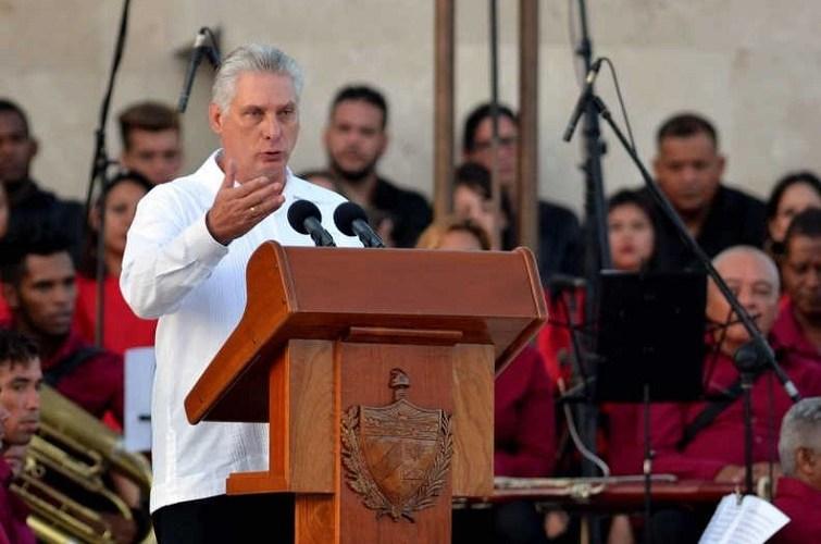 El presidente de Cuba, Miguel Díaz-Canel, pronuncia su discurso conmemorativo del 26 de julio. Bayamo, Granma/ Foto: ACN.