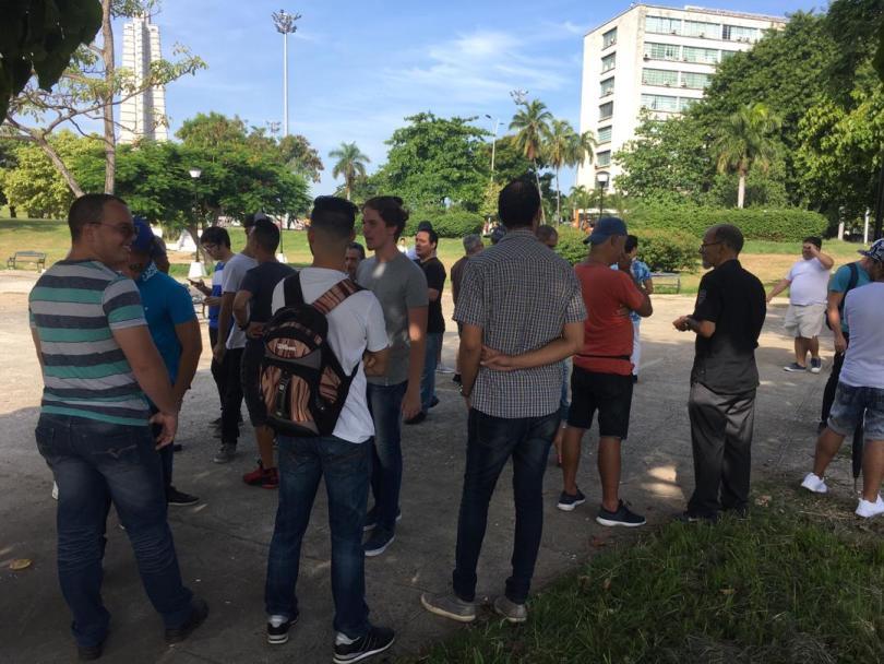 Protesta pacífica contra cierre de SNet. Parque de las Comunicaciones, La Habana. 10 de agosto de 2019