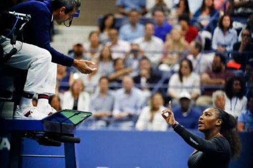 Serena Williams discute con el juez de silla Carlos Ramos. US Open 2018/ Foto: AP.