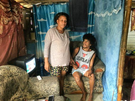 José Antonio y su madre, Odisleidi / Foto: El Estornudo