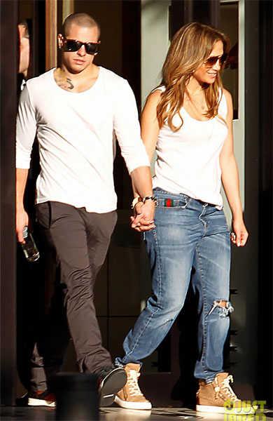 Jennifer Lopez arrasa en Madrid acompaada de su familia y su yogurn